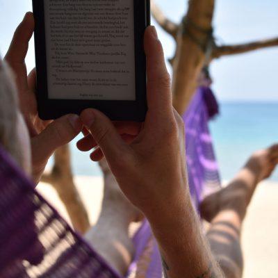 Boekje lezen op Pulau Tioman